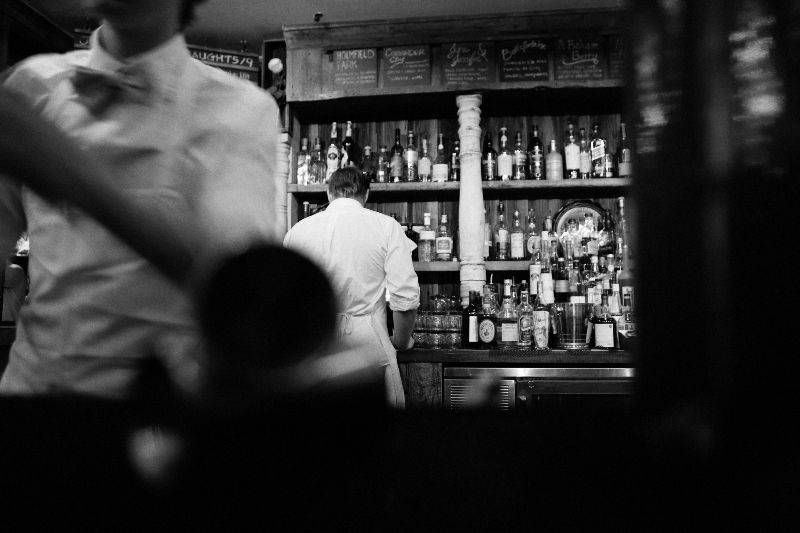 2014-09-life-of-pix-free-stock-photos-New-York-books-bar-Bottles-barman-Waiter
